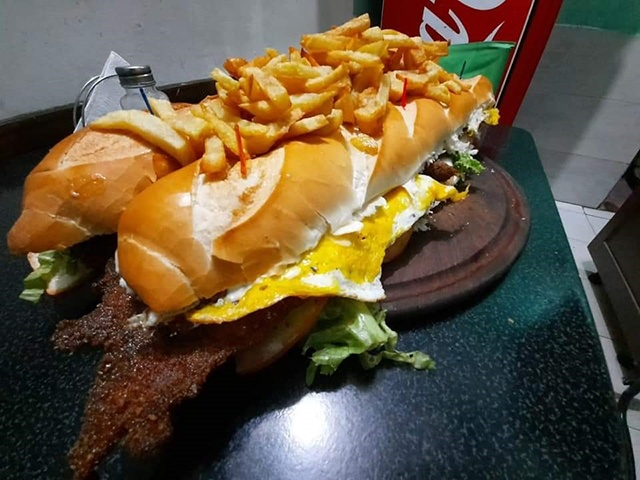 Super Lomo Doble Especial con fritas